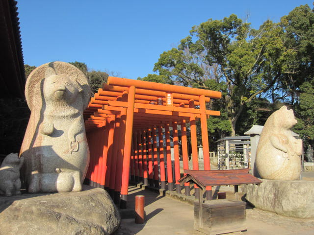 84番屋島寺・たぬき像・1.JPG