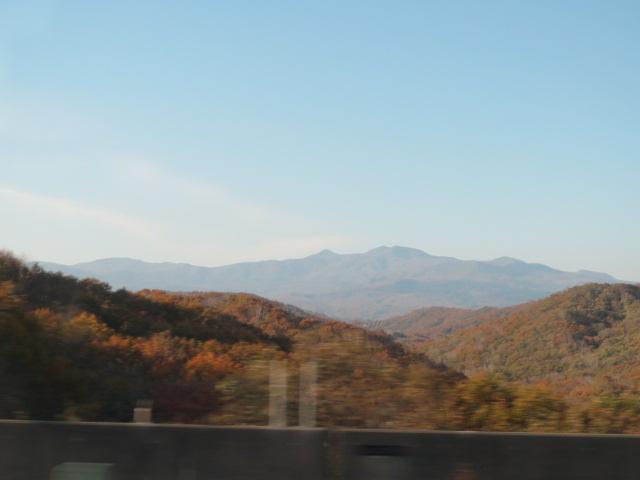 北・高速から山・3.JPG