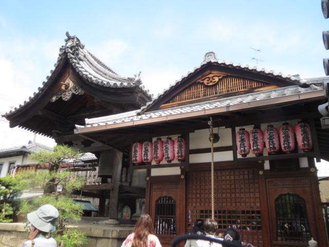 19番・行願寺鐘楼と堂.JPG