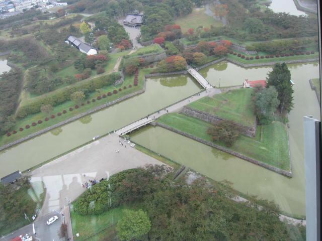 2・五稜郭タワーから公園.JPG