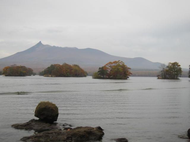 2・大沼国定公園小島と駒ヶ岳.JPG