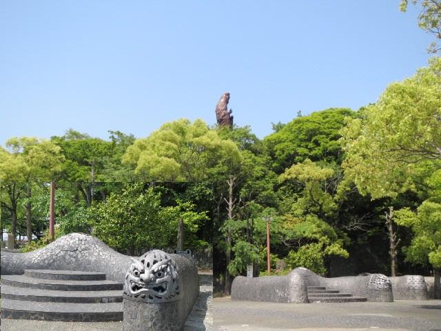 高浜の公園と観音像.JPG